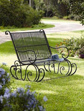 Mẫu bàn ghế sắt nghệ thuật 2020 – giá cả phải chăng mà còn độc đáo