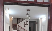 Chính chủ cần cho thuê nhà 3 tầng, Dt 210m2, gần biển Sơn Trà, giá rẻ.