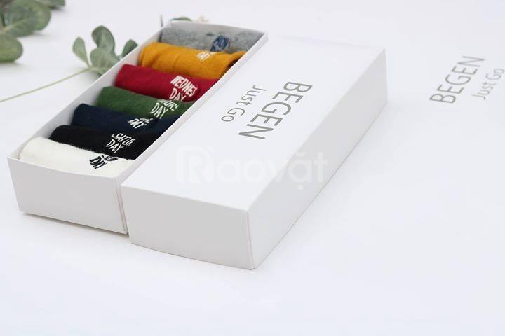 Chuyên nhận thiết kế, sản xuất các hộp tất/ vớ quà tặng của nam và nữ