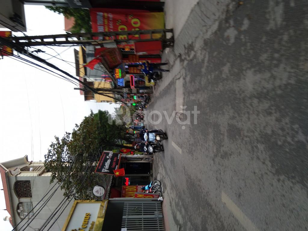 Cho thuê nhà riêng gần ngã tư Cổ Nhuế - Trần Cung, đường ôtô 75mx3T-12