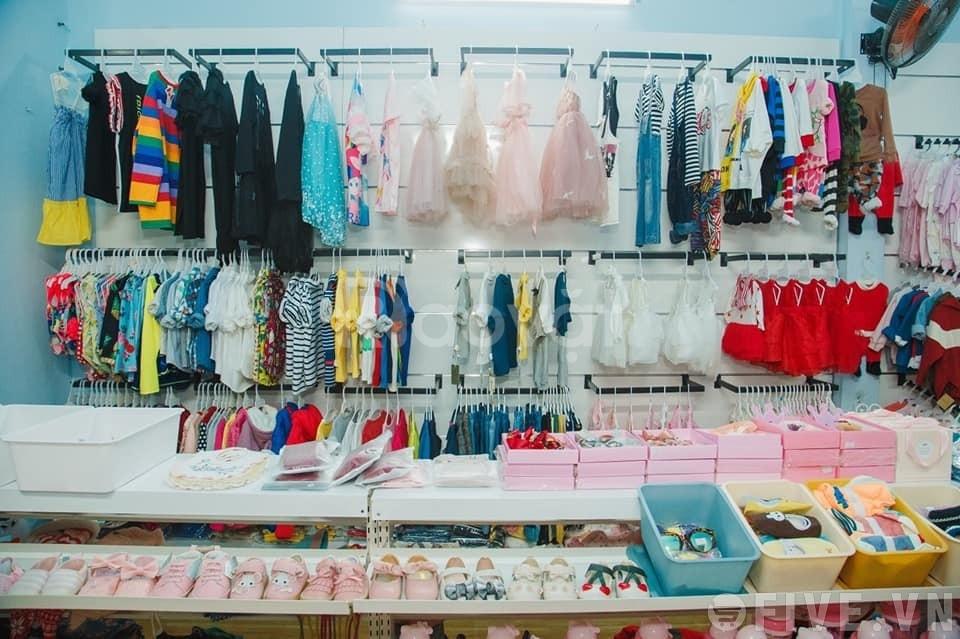 Gợi ý trưng bày cho shop quần áo