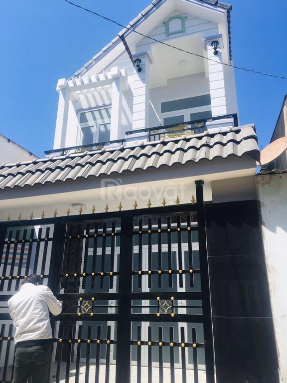 Bán nhà SHR gần ngã tư Bình Chuẩn 1 trệt 1 lầu, 3pn, 2wc, sân ô tô