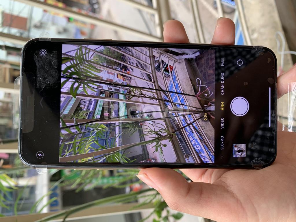 Điện thoại iphone 11 PRO MAX lock 64gb chưa active, mới 100%