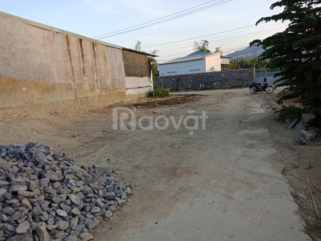 Bán đất thổ cư Diên Phú giá chỉ 390 triệu
