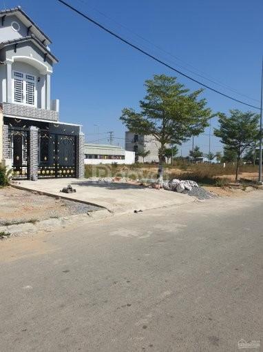 Cần bán 5 nền đất và nền lô góc ngay mặt tiền đường Võ Văn Vân