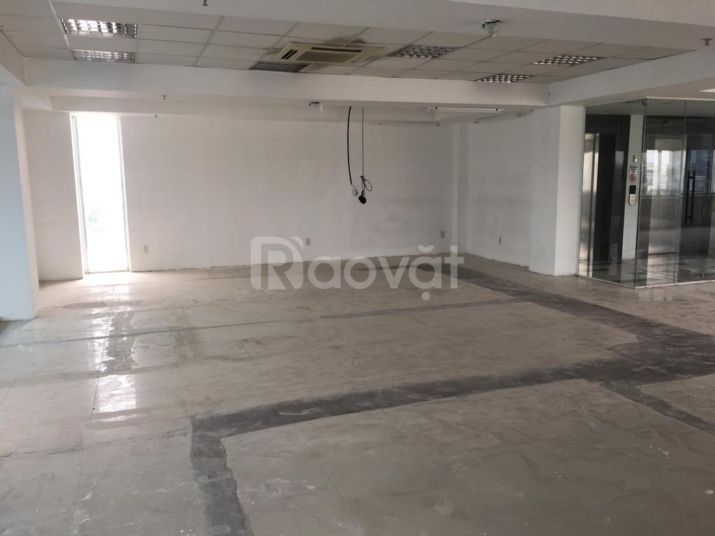 Cho thuê văn phòng 140m2 quận 3, trần sàn hoàn thiện