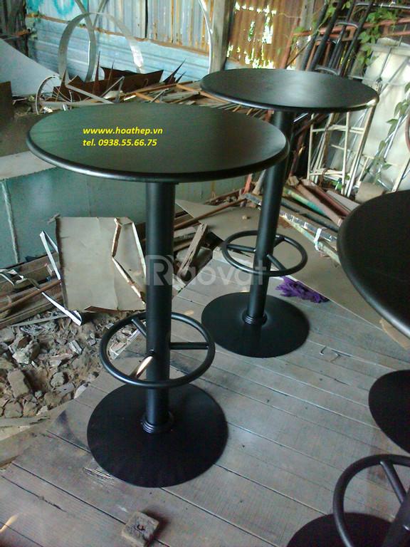 Chân bàn tròn sắt cà phê.