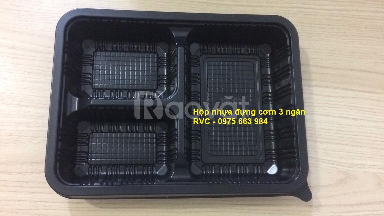 Hộp nhựa đựng cơm 3 ngăn dùng 1 lần tiện lợi, dễ sử dụng