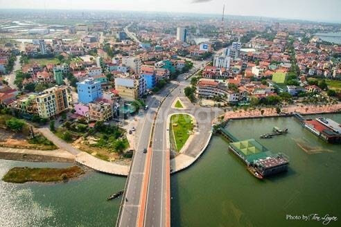 Chính chủ định cư nước ngoài cần bán lô biệt thự view sông đồng hới