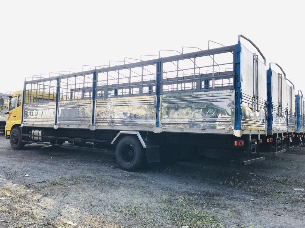 Xe tải thùng bạt 8 tấn thùng 9m5 giá thanh lý tốt