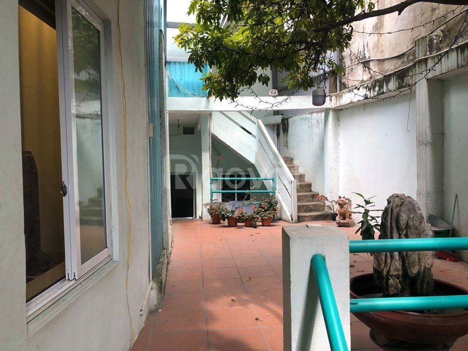 Bán nhà mặt phố Nguyễn Khuyến, Đống Đa 135m2, MT 4m, nở hậu