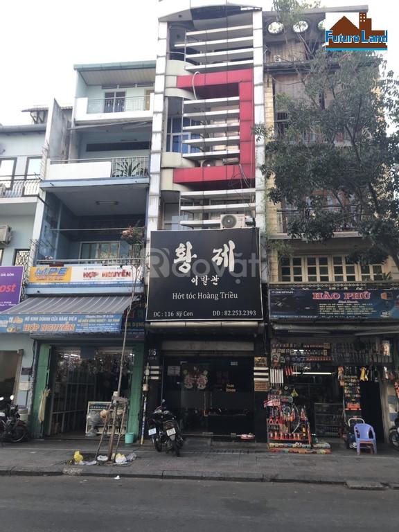 Bán nhà mặt tiền ngay Chợ Bến Thành
