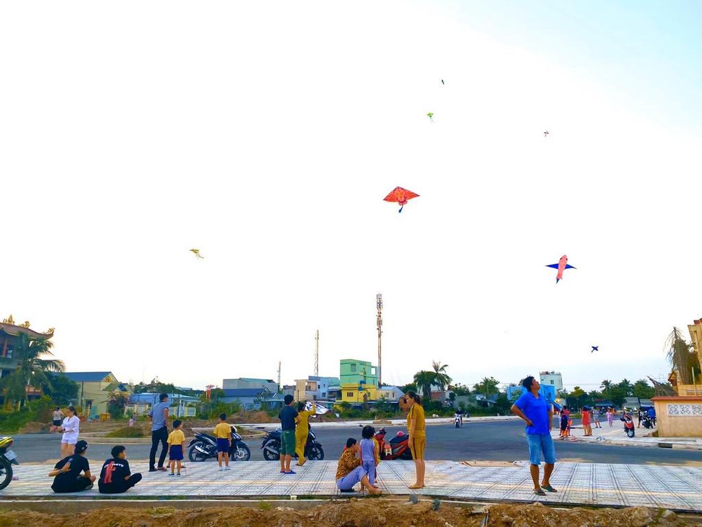 Đất nền gần chợ Vĩnh Long đã có sổ đỏ giá bán 835 triệu lô 90m2