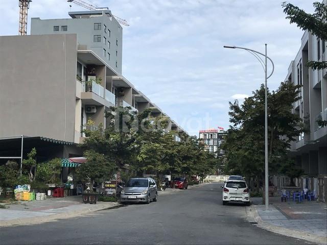 Cần bán gấp căn nhà  Bình Thạnh cách bến xe Miền Đông 1km