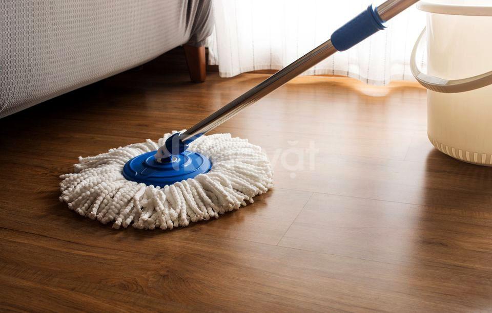 Cách làm sạch sàn gỗ nhà bạn