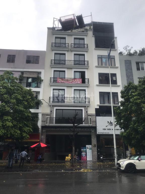 Mặt phố Nguyễn Văn Huyên, diện tích 90m2 x 3 tầng, mặt tiền 5m