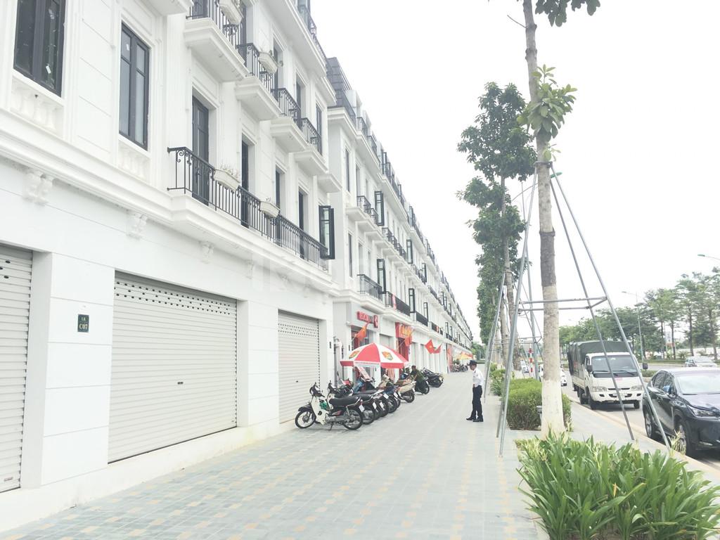 Cần bán gấp căn shophouse embassy garden diện tích 120m2 đường 60m
