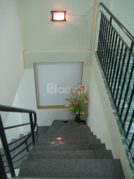 Cho thuê nguyên căn nhà 1 lầu mặt tiền đường Huỳnh Tấn Phát 200m2