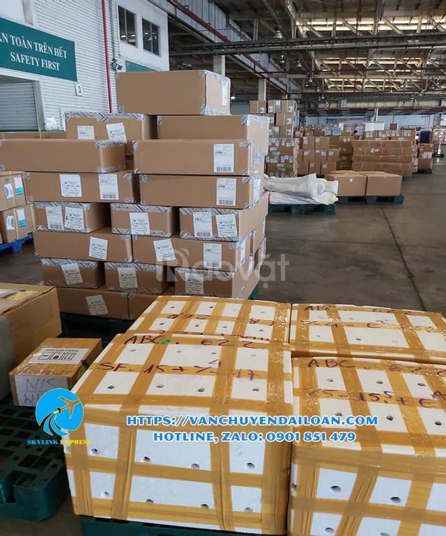 Dịch vụ vận chuyển gửi hàng đi sang Đài Loan