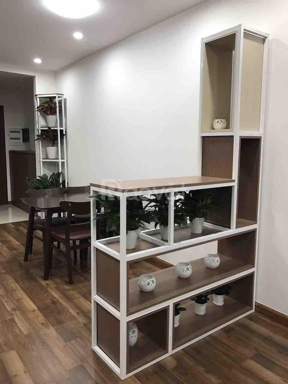 Dịch vã quá, giá nào cũng cho thuê, căn hộ 2PN chung cư Goldmark city
