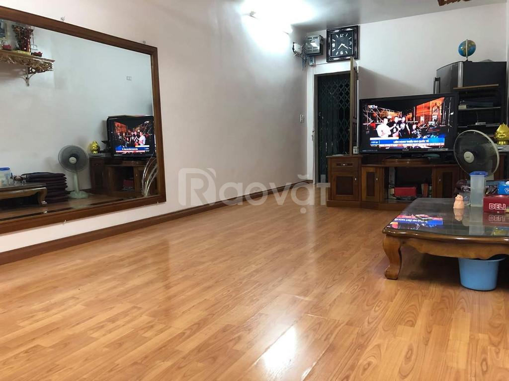 Cho thuê căn hộ tào A6 ngõ 120 Hoàng Quốc Việt 2PN full nội thất