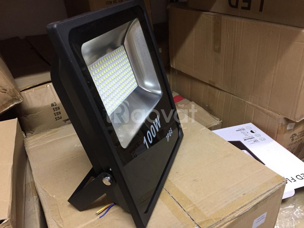 Đèn LED pha 100w chiếu ngoài trời