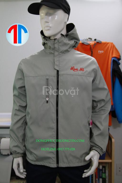 Xưởng may áo khoác đồng phục theo yêu cầu giá rẻ