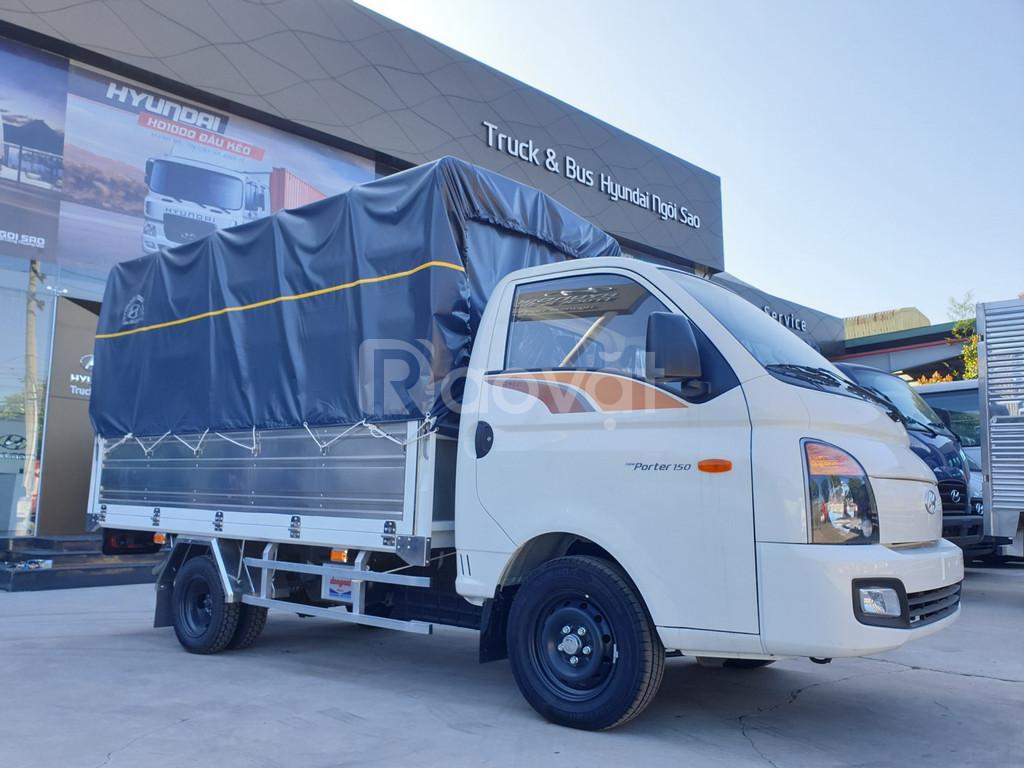 Xe tải Hyundai 1T5 H150 Thùng Mui Bạt 3m1