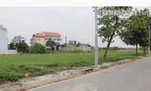 Cần tiền gấp nên  bán đất  MT Nguyễn Văn LInh Phường 7 Quận 8.