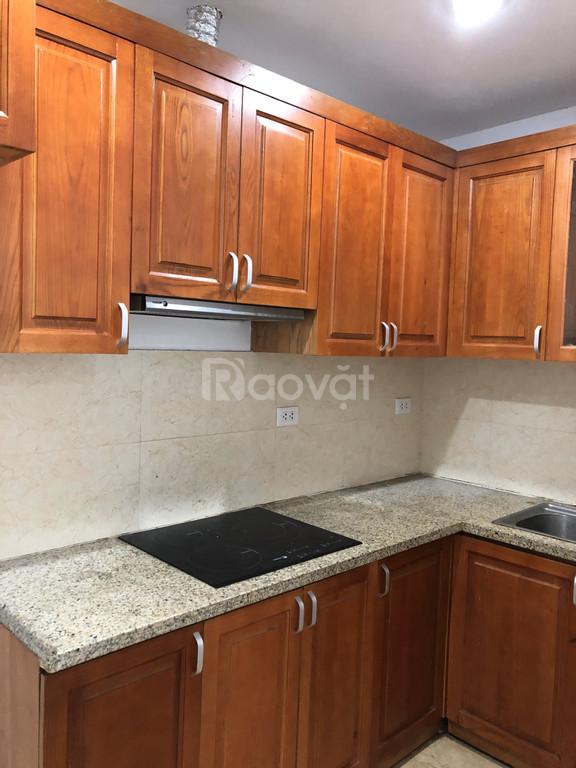 Cho thuê chung cư toà UDIC 122 Vĩnh Tuy, 63m 2pn thoáng mát nhà mới