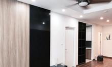 Bán gấp căn hộ 2pn, full đồ, ban công phòng khách, tại Golden Field