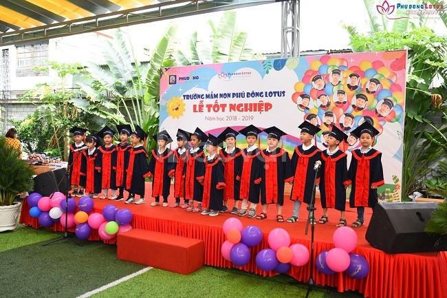Xưởng may lễ phục tốt nghiệp mầm non Bình Dương