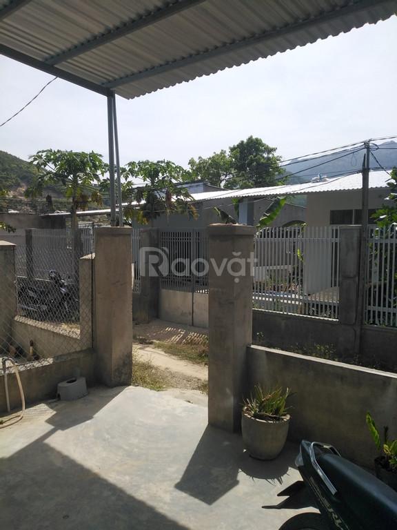 Nhà cấp 4 gần ngã 3 Phước Thượng, khu vực đông dân cư, DT 105m2