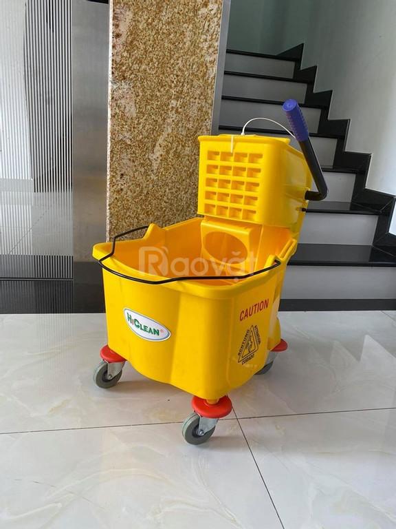 Xe làm vệ sinh 1 xô có đầu ép nước HiClean HC070 (ảnh 1)