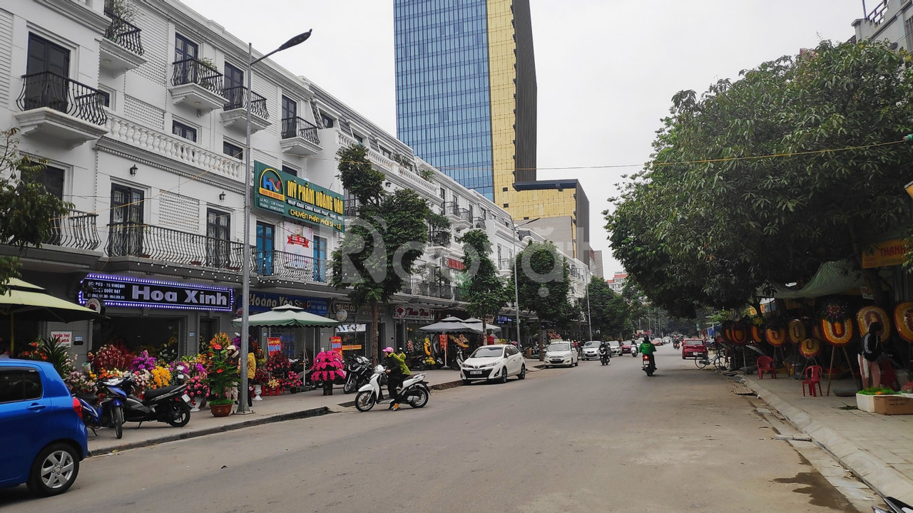 Bán căn Vincom mặt đường Triệu Quốc Đạt ( phố hàng hoa)