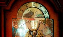 Đồng hồ tủ Howard Miller 12 gông 12 búa