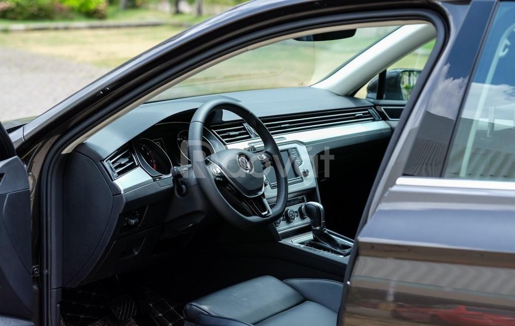 Volkswagen Passat BlueMotion - Nhập khẩu Đức - Giao xe ngay