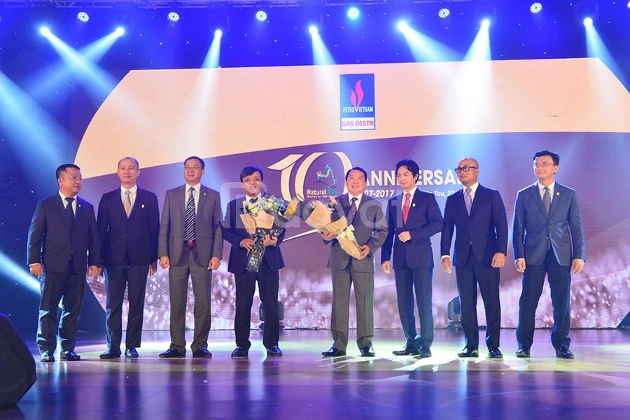 Tổ chức lễ kỷ niệm thành lập tại HCM, Hà Nội
