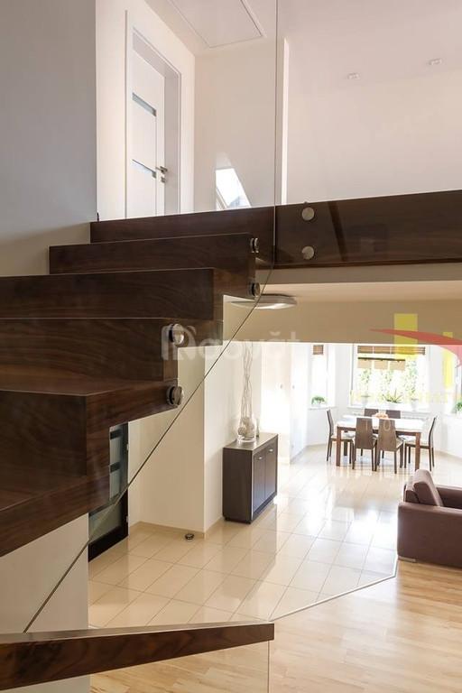 Cầu thang gỗ óc chó -walnut