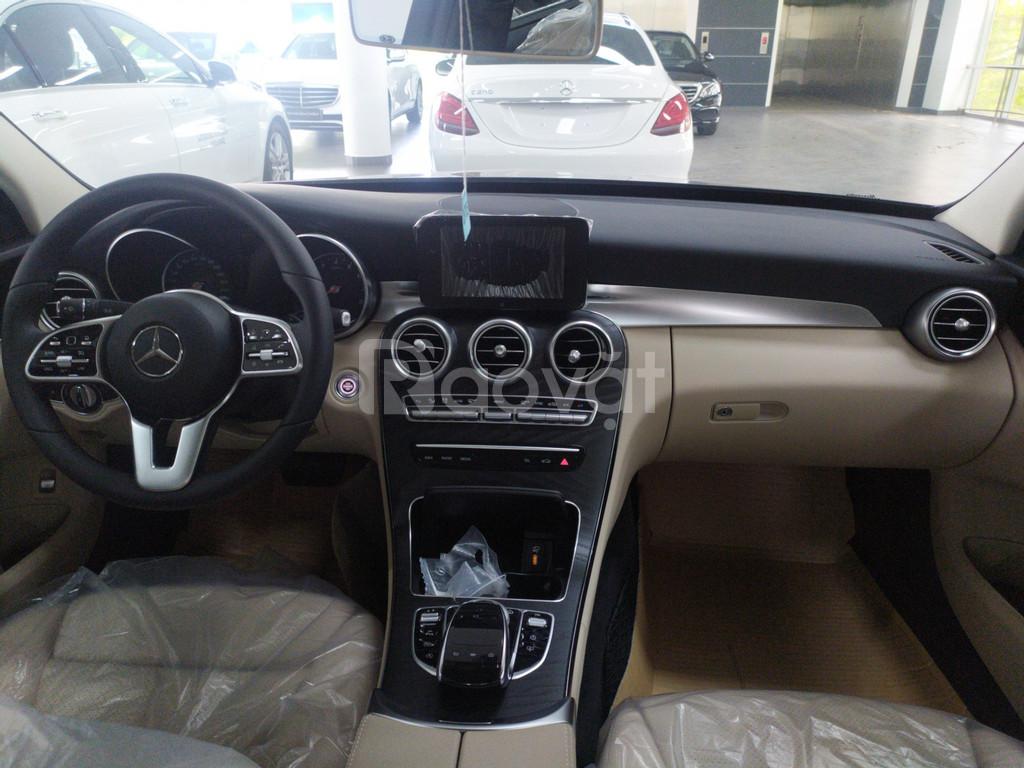 Xe lướt hãng Mercedes C200 2019 mới 100% chỉ đóng 2% trước bạ (ảnh 4)