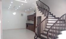 Bán nhà ngõ 61/17 Phùng Chí Kiên DT 42m2x 5 tầng mới.