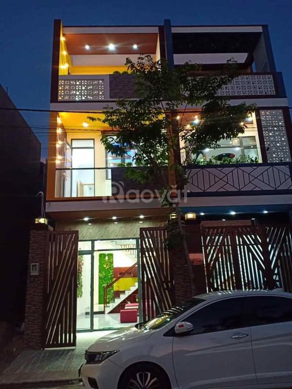 Bán nhà mới xây 3 tấm Võ Văn Hát, hẻm 2 xe hơi, gần Công ty Samsung