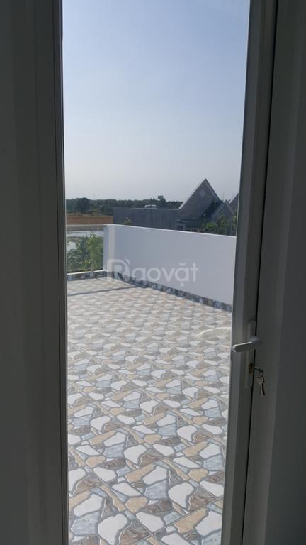 Bán nhà ngõ lớn Bình Chánh 3 lầu, shr, giá 1 tỷ 45