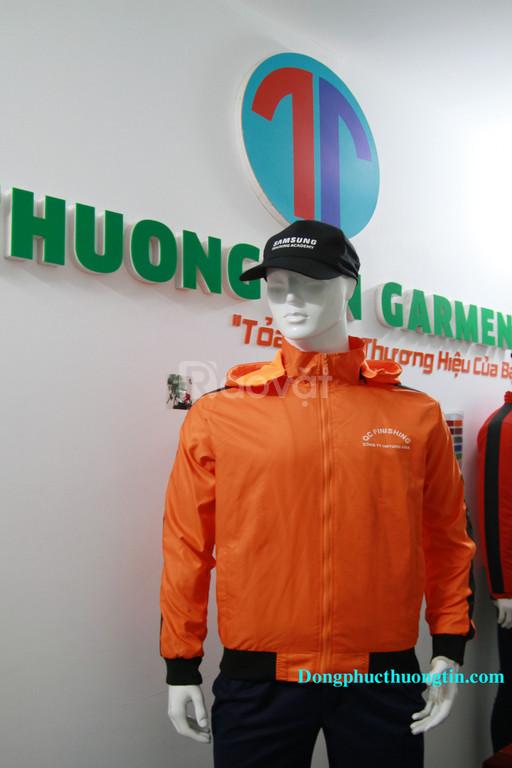 Công ty may áo gió giá rẻ chất lượng trên toàn quốc