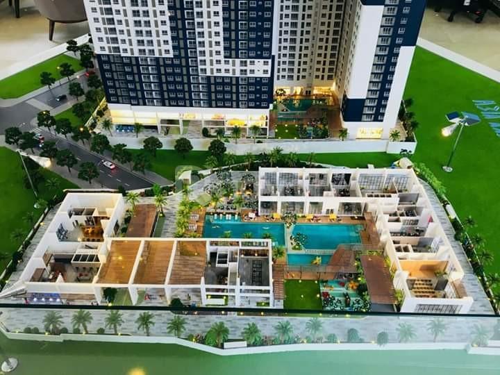 Chuyển nhượng lại căn hộ C Sky View 80m2,giá 2 tỷ, HĐ 2,4 tỷ