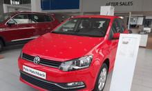 Volkswagen Polo Hatchback nhập khẩu, màu đỏ khuyến mãi khủng