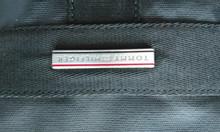 Túi đeo chéo Tommy Hilfiger xách tay Đức (hàng used)