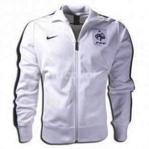 Xưởng may áo khoác uy tín chuyên nghiệp  tại Tân Bình (ảnh 1)