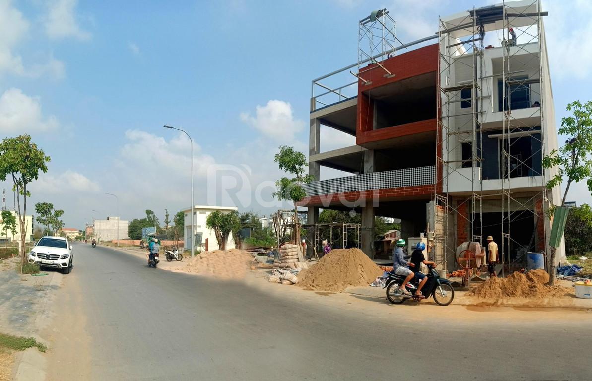 (Đất thật giá thật) có mấy nền đất gần chợ Bà Hom cần bán với giá rẻ