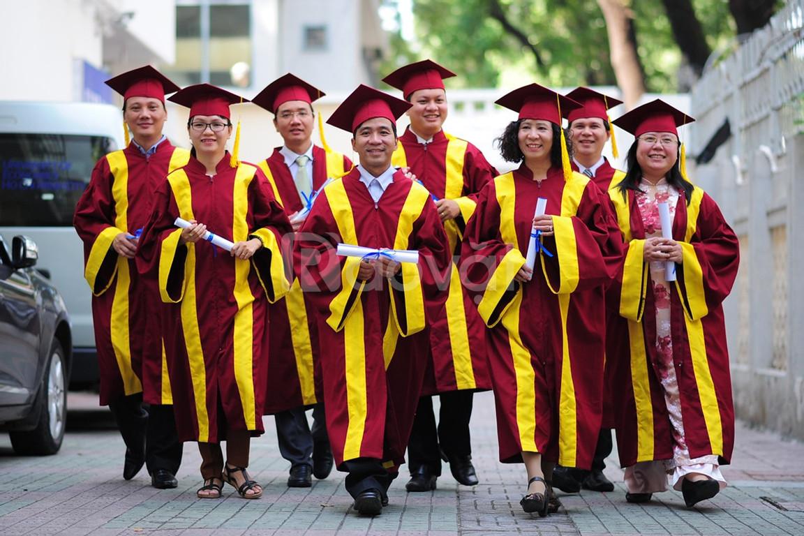 Nơi may áo tốt nghiệp cử nhân theo yêu cầu 2020